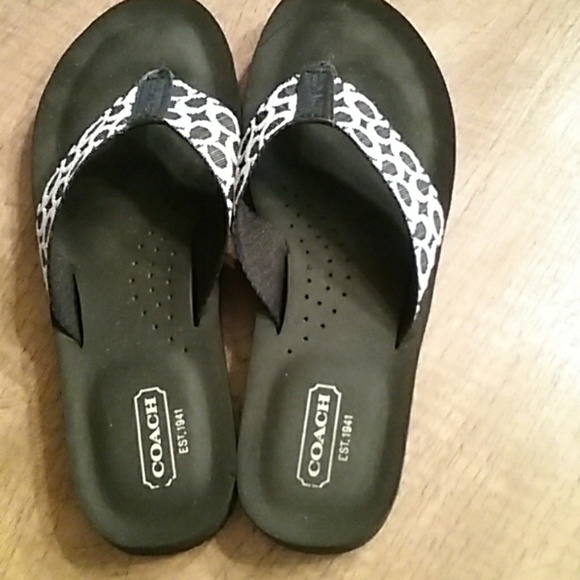 2866d0360 Coach Shoes - Coach flip flops